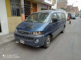 Mini van Hyundai 07 pasajeros