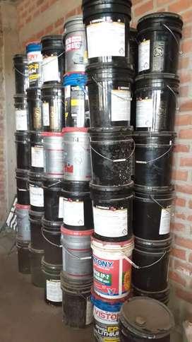 Baldes de aceite resistentes