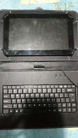 Tablet Polaroid con Teclado.