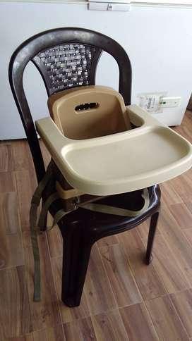 Vendo Silla de comedor para bebe Usada