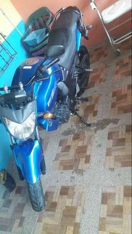 Moto Yamaha fz16 la vendo xq pasa guardada