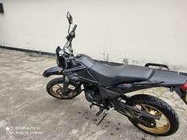se vende moto AKT Xm 180-200