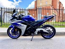 Vendo o permuto Yamaha r3