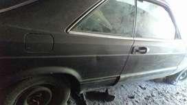 Vendo Coupe Mercedes Benz 380 Sec.Para Repuestos.-