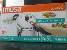 Olla a presión nueva marca Imusa de 4.5 litros