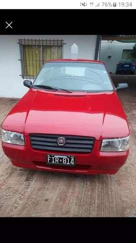 Vendo Fiat uno base 2006 1.4 muy económico todo los papeles vtv asta el año que biene