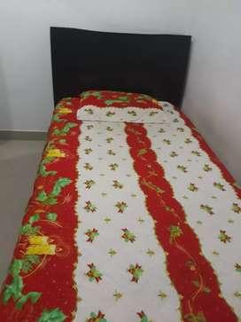 Cama con colchón barata