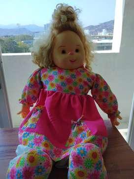 muñeca gigante niña