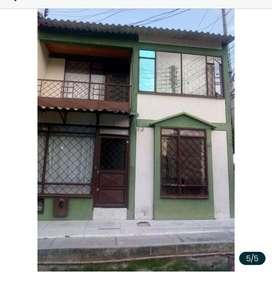 Vendo casa dos pisos esquinera en barrio cañaveral .