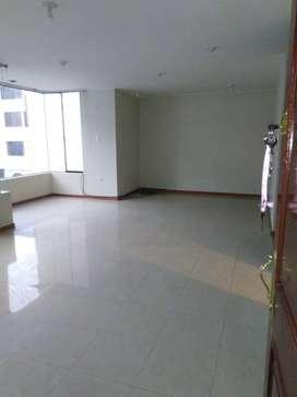 Alquilo Departamento de 150 m2, Cayma, Arequipa+ 3 Dormitorios, 4 Baños, Sala, Comedor, Cocina, Lavandería, Cochera