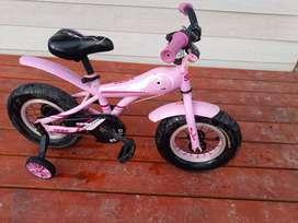 Bicicleta para nena de entre 3 y 5 años