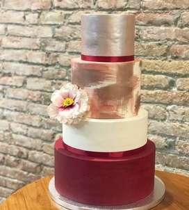 Se solicita decorador de tortas!
