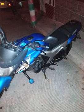 Se vende moto yamaha en buen estado szr 150