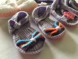 Sandalias tejidas a mano para niña bebe