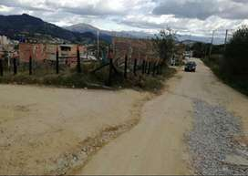 Venta de lote de 463 mts y vías de acceso por 03 costados