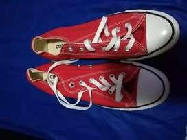 Zapatos converse rojos nuevos