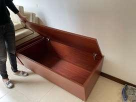 Mueble con baul