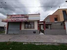 Venta de casa con ubicación comercial frente al parque centrica Boulevard, sector Pilanqui, Ibarra, provincia Imbabura
