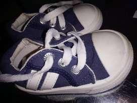 Zapatillas nro 20 semi nuevas