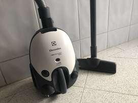 aspiradora electrolux neo compact 1200w