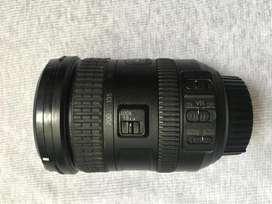 Lente Nikon 18-200 con estabilizador