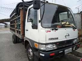 Camión Hino fb4