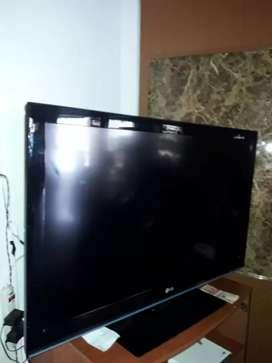 TV LG DE 42 PULGADAS