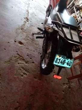 Vendo mi moto Xr 150 en estandar