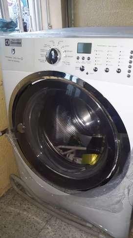 Hermosa lavadora 45 libras  vendo  o cambio
