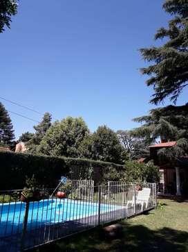 Casa Quinta con Pileta y Parque Villa Udaondo