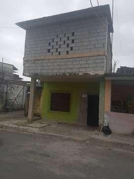 Venta de casa de dos pisos