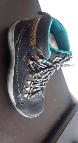 Zapatos en cuero y de seguridad