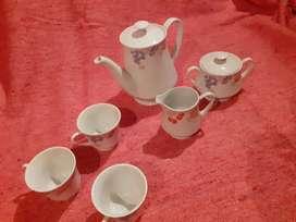 Vendo antiguo juego d café o  te porcelana china