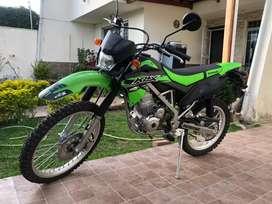 Hermosa Kawasaki KLX 150