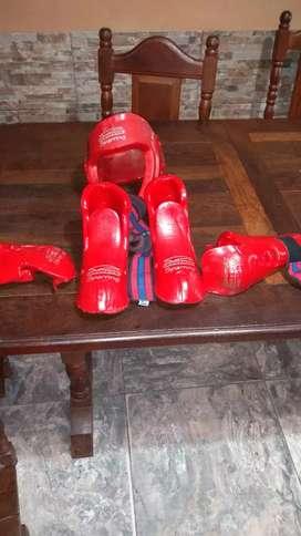 Protectores  taekwondo.. para niños 2500$ todo.