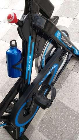 Bicicleta spinning disponible azul