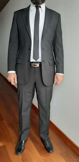 Traje Negro Talle L Camisa Corbata