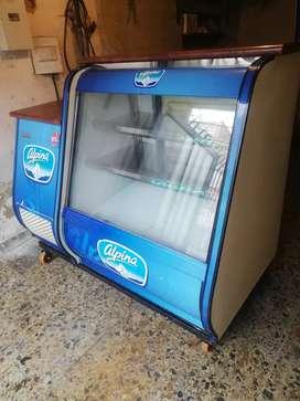 Se vende nevera congelador marca POLONORTE