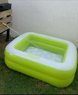 Venta de piscina cuadrada contraentrega