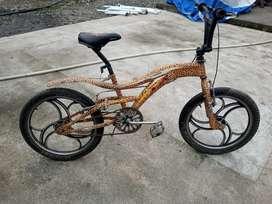 Vendo bicicleta AL SHAMEKH A 120$ Negosiable
