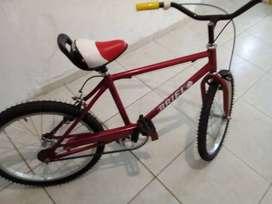 Vendo bicicleta rodado 20 sin uso. Recibo bicicleta playera