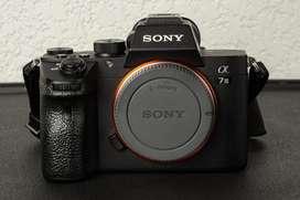 Cámara Sony Mirrorless A7iii Full Frame 24 Mpx (solo Cuerpo)