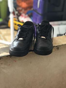 Se vende air force one negras