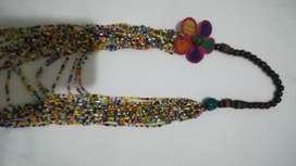 Collar Colombiano de mostacillas