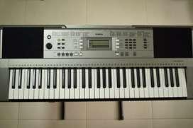 Organeta Yamaha PSR•353