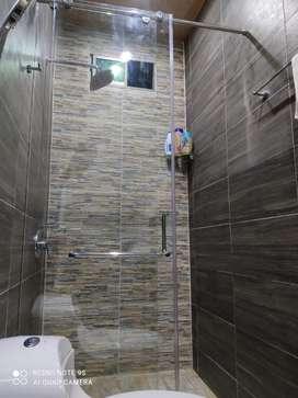 Divisiónes de baño y todo lo relacionado con vidrio templado