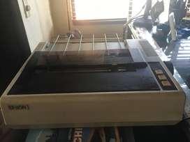 impresora de matriz de puntos Epson FX80 practicamente nueva pues no tiene uso a pesar de su edad