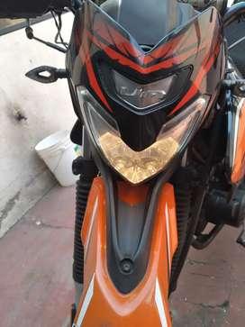 Vendo de oportunidad moto UM 200 cc