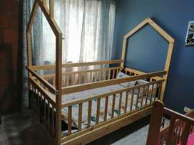 Se vende cama cuna en excelente estado
