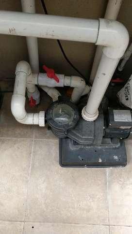 Se necesita técnico motorizado para mantenimiento bombas de piscinas Quito .